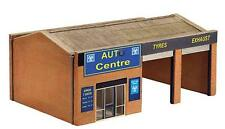 Bachmann 44-148 Tyre & Exhaust Centre 1/76th Scale = 00 Gauge New Boxed
