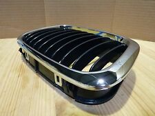 BMW E46 3-Series 4DRs Aftermarket Front Kidney Grille Grill Chrome Black Right