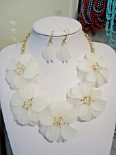 White Acrylic Flower Floral Clear Faceted Glass Bead Necklace earring Set