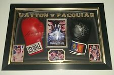 *** NEW RICKY HATTON V MANNY PACQUIAO SIGNED BOXING GLOVEs Display ***