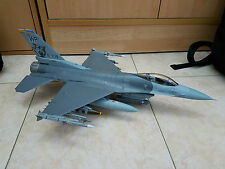 academy F-16C 1/32 scale plastic model ready made