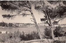 ISTRES 7941 vue générale et l'étang de l'olivier timbrée 1961