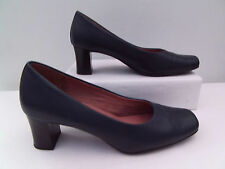 SLIP ON COURT SHOES BY CLARKS  SIZE 5