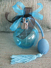 NEW AQUA BLUE GLASS PERFUME BOTTLE W/SPRAY ATOMIZER--TASSEL & DOUBLE BOW ACCENT