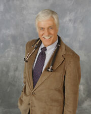 Van Dyke, Dick [Diagnosis Murder] (43402) 8x10 Photo