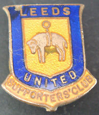 LEEDS UNITED Rare vintage SUPPORTERS CLUB Badge Makers H.W MILLER Button hole