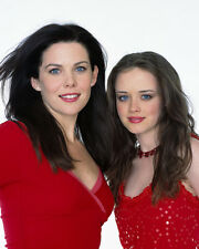 Lauren Graham & Alexis Bledel (8049) 8x10 Photo