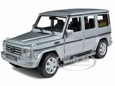 MERCEDES G WAGON CLASS SILVER 1:24 DIECAST MODEL CAR BY WELLY 24012