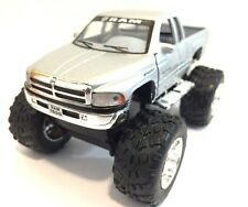 Dodge Ram 1500 V8 pickup Monster truck off Road 1:44 scale diecast Model Silver