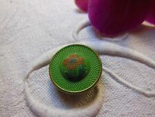 bouton ancien en verre année 60 vert coeur peint vintage diamètre: 1,7 cm G5P