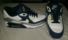 YOUTH NIKE AIR MAX 90 SHOES SIZE 6Y GREAT BACK TO SCHOOL SHOES