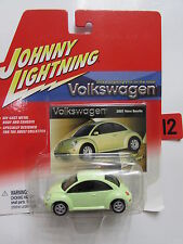 JOHNNY LIGHTNING VOLKSWAGEN 2001 NEW BEETLE