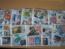 10 X PACKETS OF 100 DIFFERENT  WORLD STAMPS,NICE LOT.
