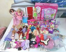 HUGE Barbie GLAM Vacation HOUSE w/BONUS Portable HOUSE 15 Dolls/130 ACCESSORIES