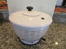 Large 3-Piece Salad Spinner That Seals to Counter