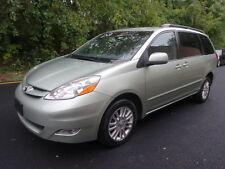 Toyota : Sienna XLE AWD