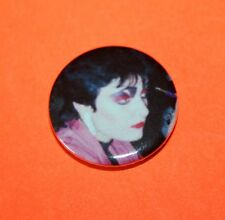 EARLY 1970S 1980S STYLE SIOUXSIE SIOUX AND THE BANSHEES  PUNK BUTTON PIN BADGE