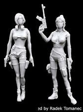 Black Dog 1/35 Post-Apocalyptic Women Set w/Firearms in hands (2 Figures) F35156