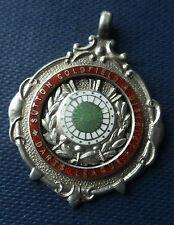 Attraente Argento Sterling SMALTO Freccette medaglia/Orologio Fob 1939 Sutton Coldfield