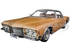 1971 BUICK RIVIERA GS VINYL TOP GOLD 1/18 CAR MODEL BY ROAD SIGNATURE 92558