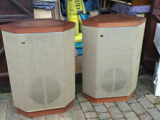 A fine pair of vintage WHARFEDALE AIRDALE speakers, VERY good condition
