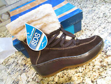 NEW BARETRAPS STAY DRY FLURRY ANKLE BOOTS WOMENS 8  BROWN SUEDE FREE SHIP