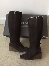 Fat Face Woodham Wedge Botas Talla Uk 6 UE 39 oscuro marrón a la rodilla y caja