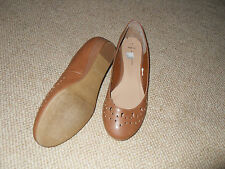New Look tan colour small wedge heel shoes - size 7