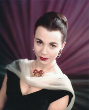 Claire Bloom UNSIGNED photo - H155 - SEXY!!!!