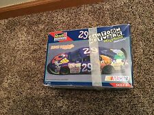 Revell Monogram Robert Presley #29 NASCAR Cartoon Network Model Kit 1/24