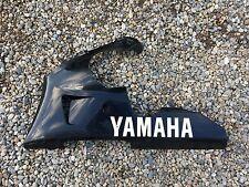 UN SABOT CARENAGE CACHE GAUCHE POUR MOTO YAMAHA 1000 R1 2001 TYPE 5JJ