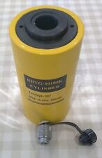 30 TON HOLLOW HYDRAULIC RAM CYLINDER WITH 100mm STROKE. £185.50 + VAT