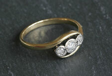 Beautiful 18ct Gold & Platinum Three Stone Diamond Crossover Ring Size P 3.3g