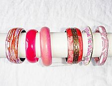 VINTAGE & RETRO LUCITE RESIN WOOD MIXED PINKS  COLOUR  BANGLE COLLECTION 6 CHIC