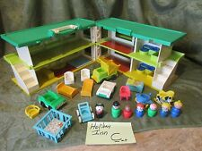 Fisher Price Little People Holiday Inn Playskool Familar places hotel motel C