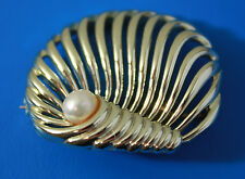 Vintage Signed & Numbered MARBOUX by BOUCHER Genuine Pearl Shell Brooch Pin