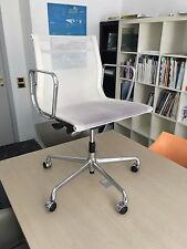 VITRA Eames chair ea 117 107 white/black Office design by Charles and Ray Eames