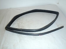 99 00 VOLVO S70 2.4L TURBO AWD RIGHT REAR WINDOW GLASS TO DOOR WEATHERSTRIP SEAL