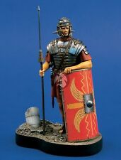 Verlinden 120mm (1/16) Roman Legionnaire with Spare & Shield Vignette w/Base 773