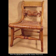 GREAT!! 1820-40s Tiger Maple Child's / Youth Chair