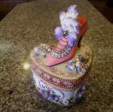 """Heritage House Victorian Treasures Heart Music Box """"OVER THE WAVES"""" Shoe on Top"""