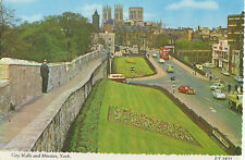 OLD POSTCARD  - YORKSHIRE - City Walls and Minster, York - Bamforth