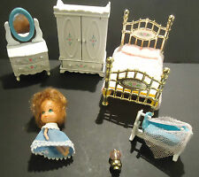 MATTEL FLOSSIE LITTLES DOLL and BEDROOM FURNITURE DIE CAST METAL 1980 HONG KONG