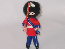 """BRITISH ROYAL GUARD SOLDIER FIGURE 4.5"""" STANDS WEIGHTED SHOES"""