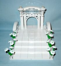 CUSTOM LEGO WEDDING ARCH & STAIRS CAKE TOPPER FOR BRIDE AND GROOM MINIFIGURES