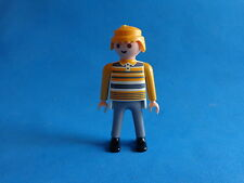 Playmobil Hombre con camiseta amarilla de reyas man with striped shirt
