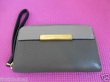 Marc by Marc Jacobs Classic Q Zip Around Wallet Too Hot To Handle Iphone