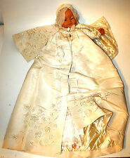 DRESS CHRISTENING. SILK. CAMBRIC. EMBROIDERY. LACE MANUAL. SPAIN. XIX-XX