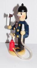Räuchermännchen / Räuchermann  Feuerwehrmann mit Feuerspritze  13 cm