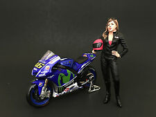 FEMALE BIKER FIGURE FOR 1:24 SCALE DIECAST MODEL CARS BY AMERICAN DIORAMA 77488